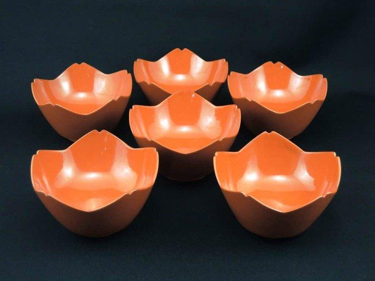 朱塗桔梗形向付 六客組 / Red-lacquered Bell-Flower-shaped 'Mukoduke' Cups  set of 6