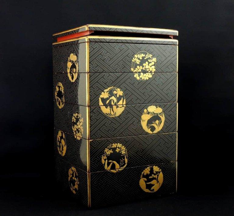 黒塗蒔絵螺鈿重箱 / Black-Lacquered 'Jubako' Food Boxes with 'Makie' picture and Mother of pearls