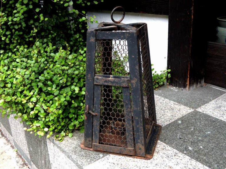 蔵行灯 / 'Kura Andon'  Iron Lamp for warehouse