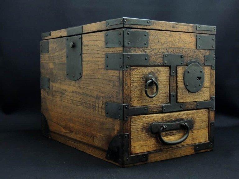 桐硯箱 / 'Suzuribako' Ink Stone Box
