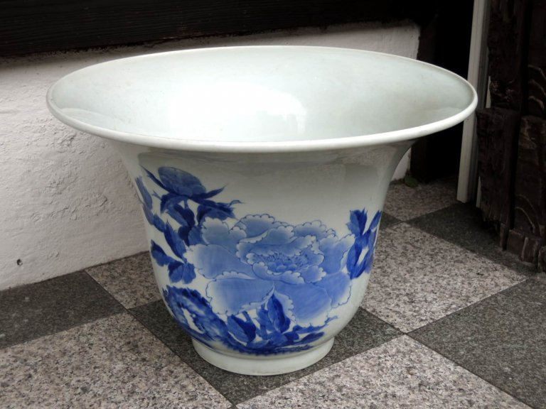 伊万里染付手水鉢 / Imari Blue & White Large Bowl