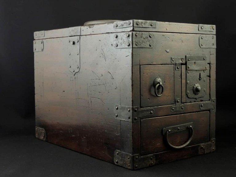 硯箱 / 'Suzuribako' Ink Stone Box