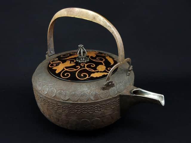 鉄銚子 / Iron Sake Pourer