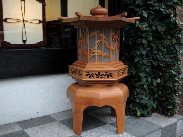 木製灯籠 / Wooden Lantern