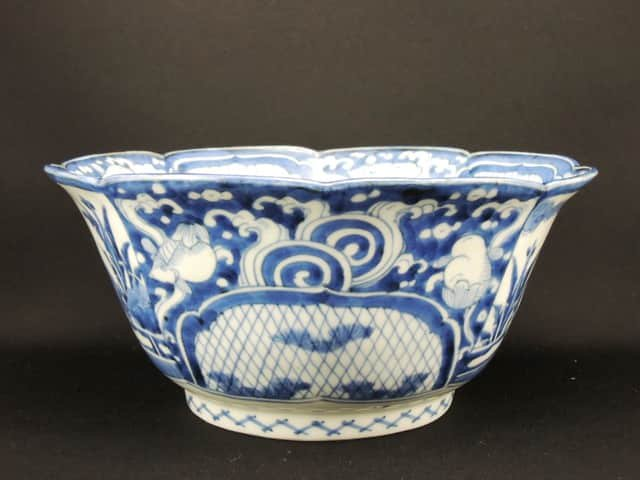 伊万里染付金魚鶴文大深鉢 / Imari Large Blue & White Bowl with the picture of Goldfishes!