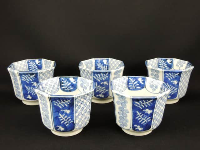 伊万里染付金魚文八角向付 五客組 / Imari Octagonal Blue & White 'Mukoduke' Cups   set of 5