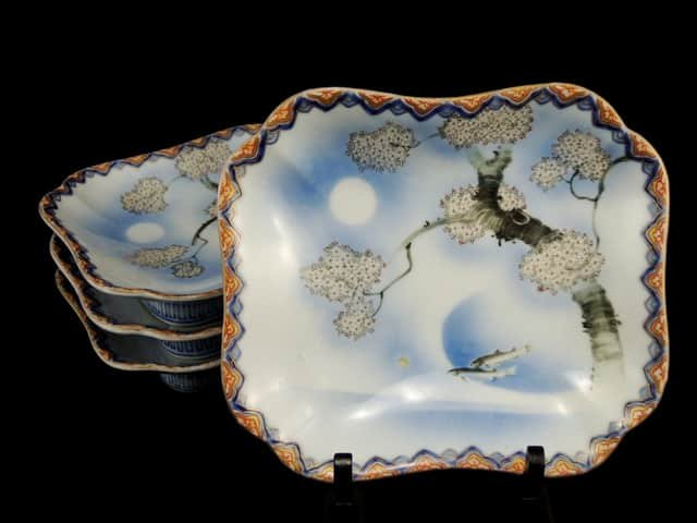 香蘭社桜文変形皿 四枚組 / Koransha plates with the picture of Sakura  set of 4