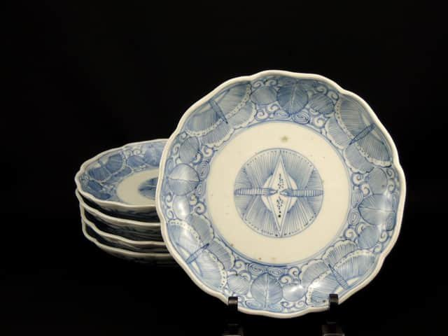 伊万里線描染付蝶文六寸皿 五枚組 / Imari Blue & White Plates with the picture of Butterflies (17.9cm)  set of 5