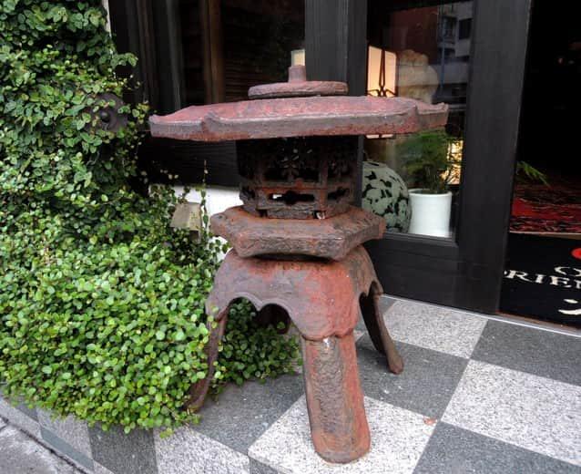 鉄灯籠 / Iron Lantern
