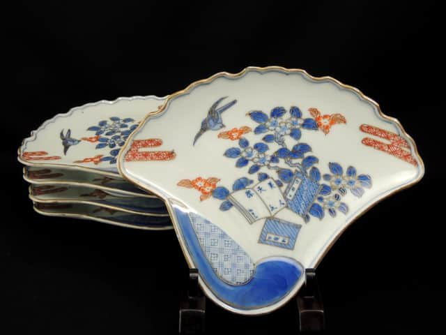 伊万里色絵銀杏葉形皿 五枚組 / Imari Ginko-leaf shaped Polychrome Plates  set of 5