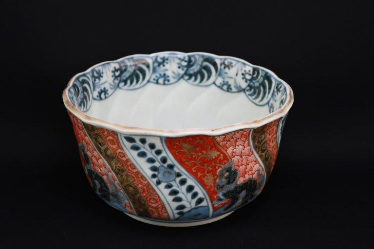伊万里色絵菊花形中鉢 / Imari Polychrome Bowl