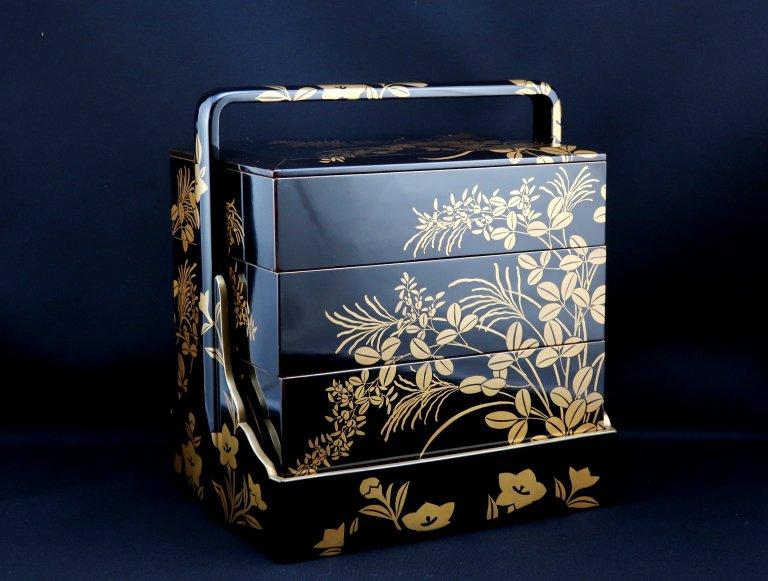 黒塗秋草蒔絵手提重 / Black-Lacquered 'Jubako' Food Boxes with Makie picture of Autumn Plants  set of 5