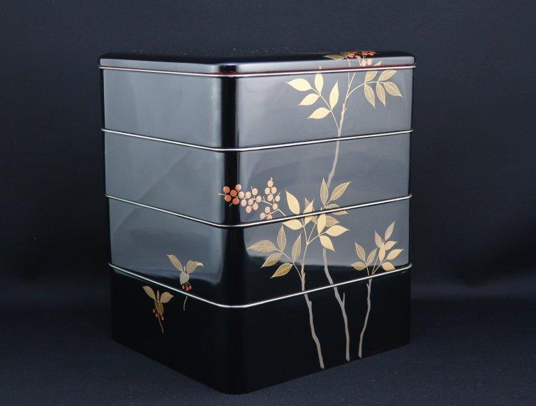 黒塗南天蒔絵重箱 / Black-lacquered 'Jubako' Food Boxes