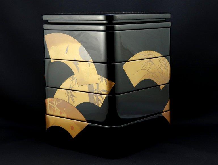 輪島塗扇面蒔絵重箱 / Black-lacquered 'Jubako' Food Boxes with 'Makie' picture of Fans