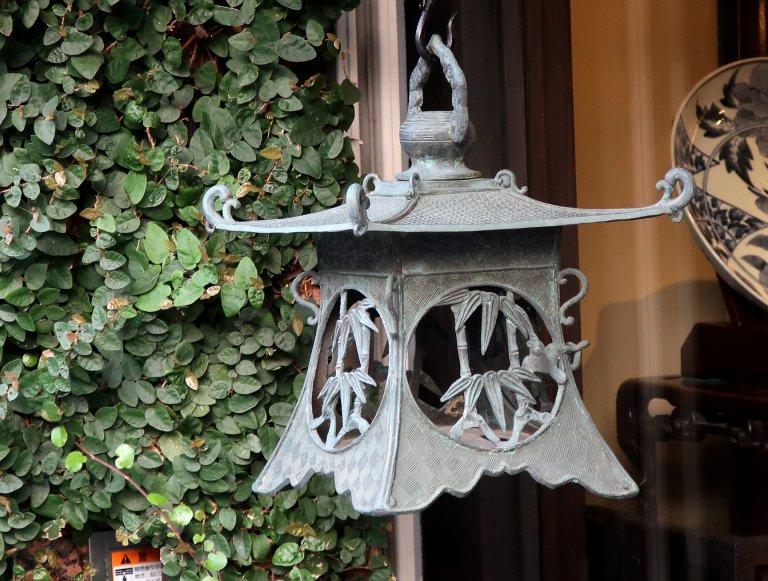 銅器吊灯籠 / Bronze Hanging Lantern