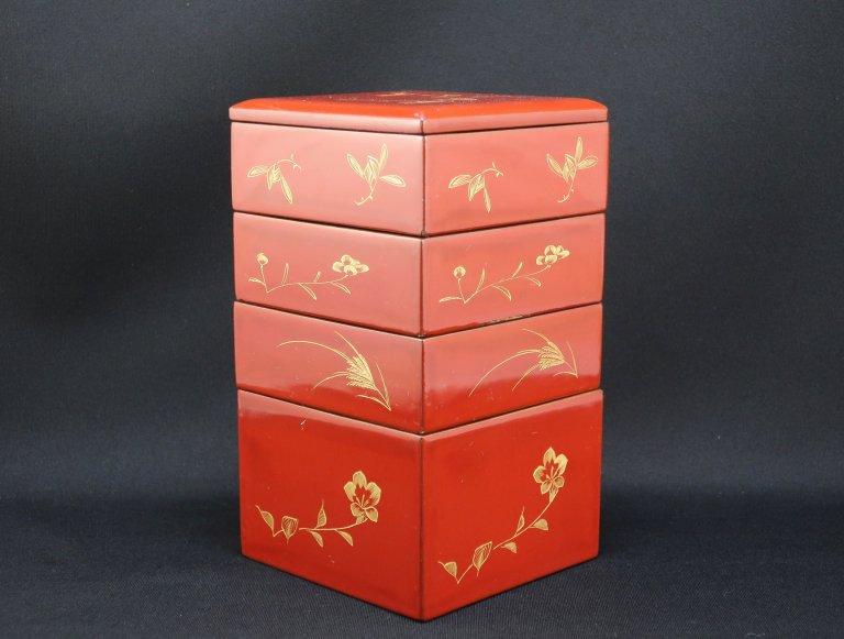 朱塗沈金蒔絵小重箱 / Red-lacquered Small 'Jubako' Boxes
