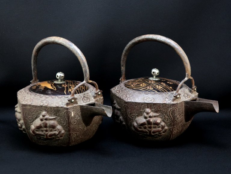 鉄銚子一対 / Iron Sake Pourer  1 pair