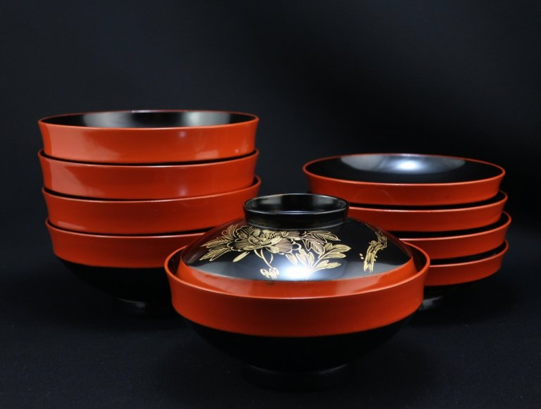 黒朱塗沈金牡丹蒔絵椀 五客組 / Black and Red lacquered Soup Bowls with Lids  set of 5