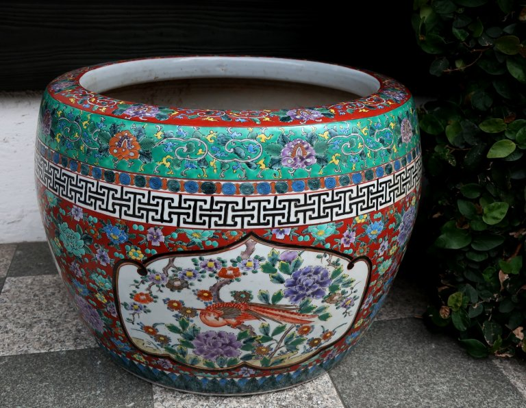 伊万里色絵火鉢 / Imari Polychrome Hibachi