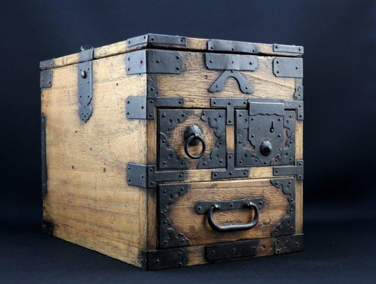 総桐硯箱 / Paulownia Ink Stone Box