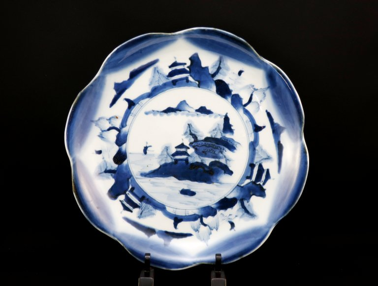 伊万里志田焼染付輪花皿 / Imari Shida Large Flower-shaped Blue & White Plate