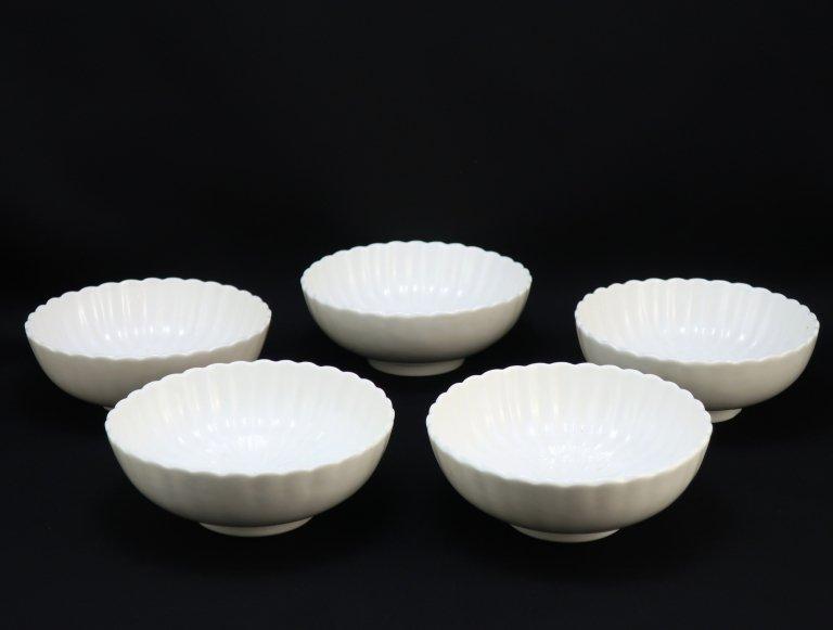 伊万里白磁菊花小鉢 五客組 / Imari White Porcelain Chrysanthemum-flower-shaped Bowls  set of 5