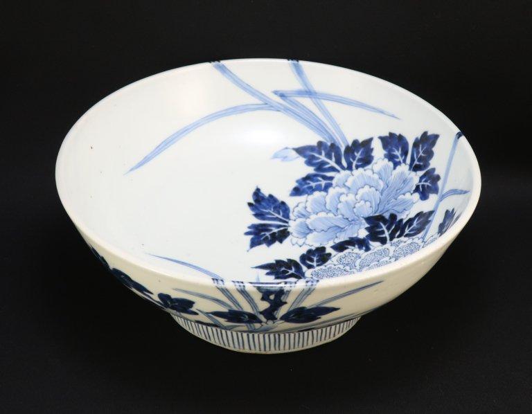 伊万里染付牡丹文大鉢 / Imari Blue & White Bowl with the picture of Peonies