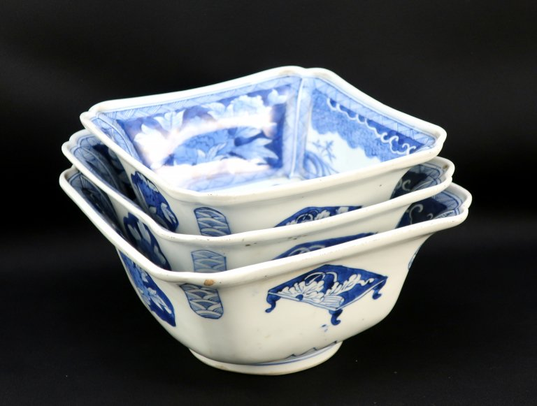 伊万里染付角三つ組鉢 / Imari Square Blue & White Bowls  set of 3