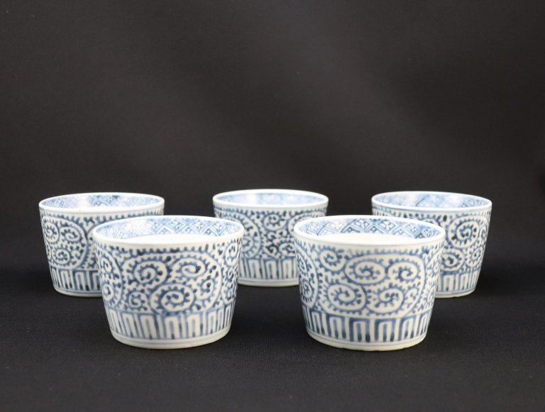 伊万里染付蛸唐草文蕎麦猪口 五客組 / Imari Blue & White Soba Cups  set of 5