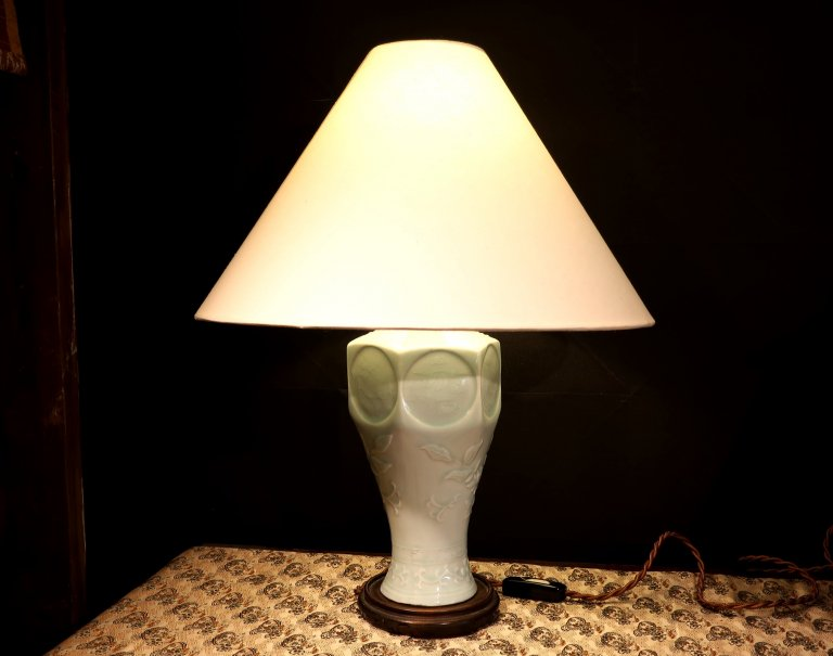青白磁花瓶ランプ / Celadon Flower Vase Table Lamp