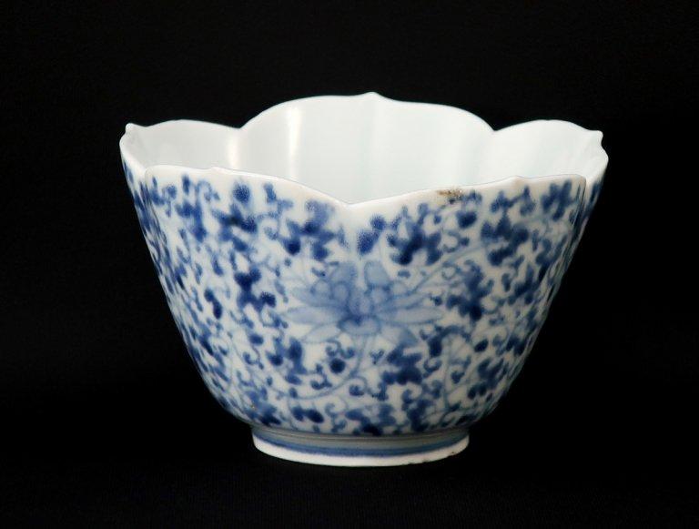伊万里染付花唐草文桔梗形向付 / Imari Blue & White 'Mukoduke' Cup