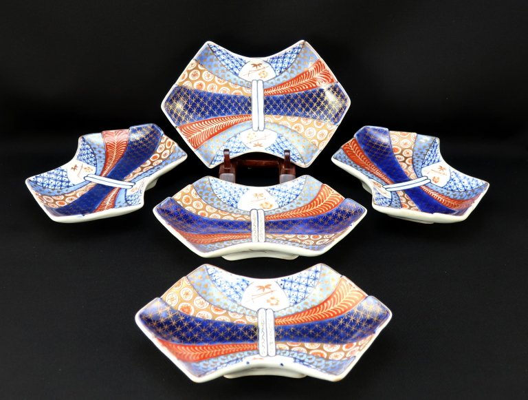 伊万里色絵熨斗形皿 五枚組 / Imari Polychrome 'Noshi' shaped Plates  set of 5