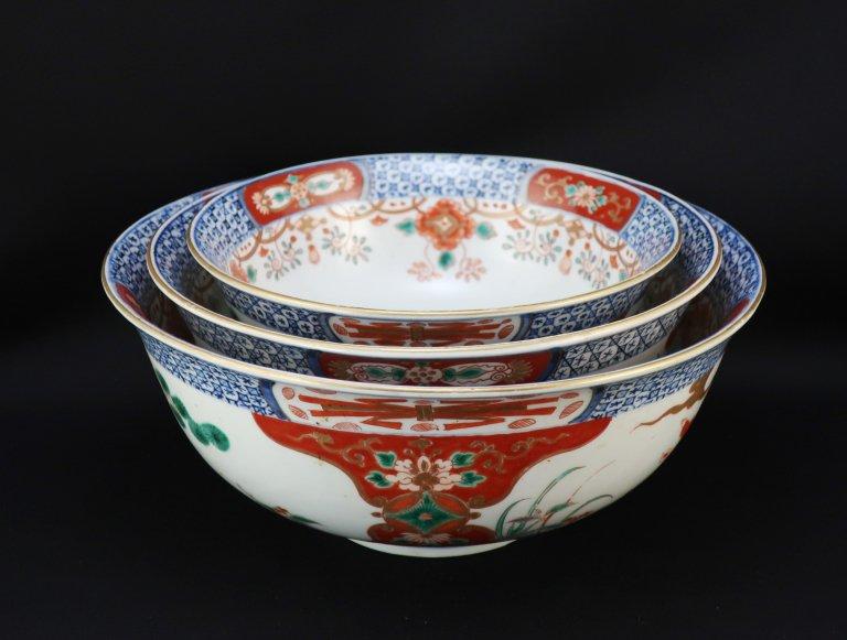 伊万里色絵瓔珞文三つ組鉢 / Imari Polychrome Bowls  set of 3 (L/M/S)
