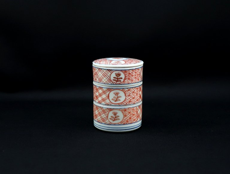 伊万里色絵小段重 (白粉重)/ Imari VERY Small Polychrome 'Danju' Boxes(Cosmetic case)