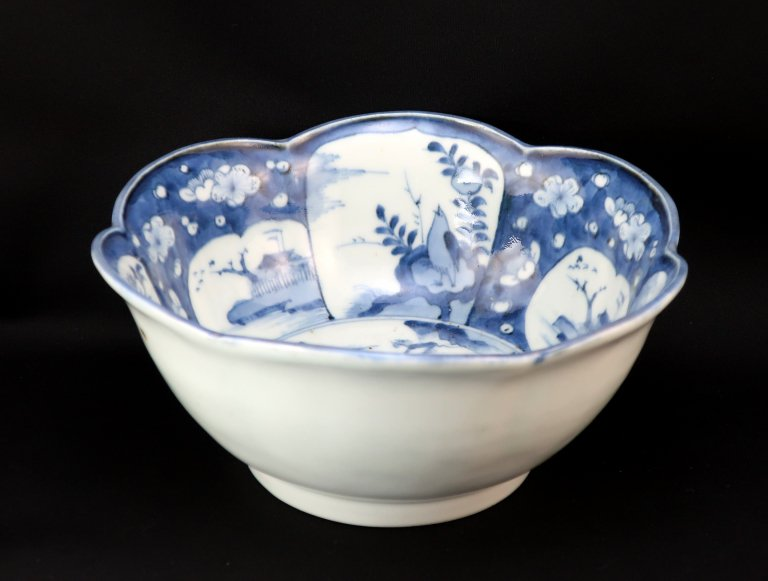 伊万里染付輪花大鉢 / Imari Large Blue & White Fower-shaped Bowl