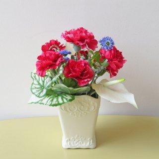 光触媒アートフラワーアレンジメント【パルレ】アンスリウムの花言葉は、「熱心」。一生懸命な方に「感謝」を込めて贈るアートフラワーアレンジです。「お誕生日」「退職祝い」「新築祝い」にいかがでしょうか。