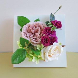 光触媒アートフラワーアレンジメント【スエニョ(壁掛け)】薔薇のフレームアートフラワーアレンジメントです。
