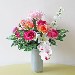 光触媒アートフラワーアレンジメント【デールリ】ドラセナ・スルクロサ(葉物)とお花のアーティフィシャルフラワー(高級造花)アレンジです