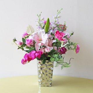 光触媒アートフラワーアレンジメント【レンク】メタリックな花器に、明るめに高級造花をアレンジしました。大輪のリリーが素敵です