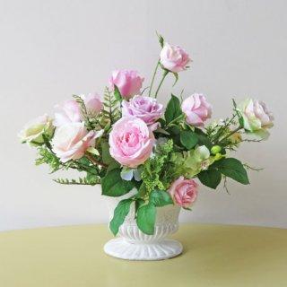 光触媒アートフラワーアレンジメント【ティラーノ】お花はもちろん、グリーンもいいものを使ってアレンジしました