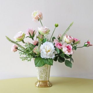 光触媒アートフラワーアレンジメント【カーネ】伸びやかに素敵なバラたちをアレンジしました