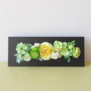 光触媒アートフラワーアレンジメント【プリメーラ(壁掛け)】専用ケースに入れてお届けしますので、姿が綺麗なパッケージになります