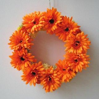 光触媒アートフラワーリース カラーセラピーでは、オレンジは「癒しの色」。壁に飾れば、元気になれますよね