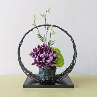 光触媒アートフラワーアレンジメント【パシテア】和風の花器に、高級造花の「菊」を入れました。とても綺麗なアレンジです