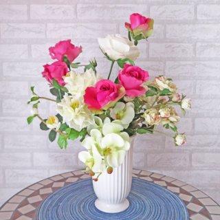 光触媒アートフラワーアレンジメント【アマラント】バラと胡蝶蘭のアレンジです