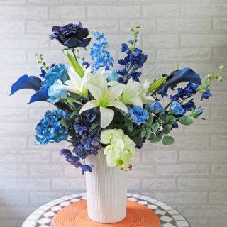 光触媒アートフラワーアレンジメント【マッセル】神秘的でインパクトあるブルー。宝石のような美しさです
