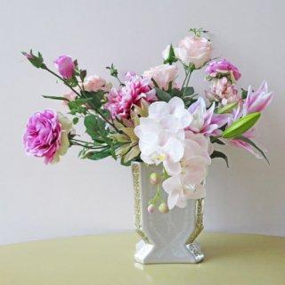 光触媒アートフラワーアレンジメント【グリューン】新作の個性的な花器にも注目。グレーにゴールドはクールなのにゴージャス!