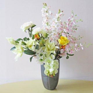 光触媒アートフラワーアレンジメント【ハイル】おしゃれな花器にも注目。薄いピンクのオンシジュームかわいいですよ!