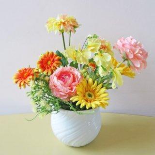 光触媒アートフラワーアレンジメント【タオフェ】開店祝い・退職祝いにおすすめの明るいアレンジです。HAPPYな気分になれそう!