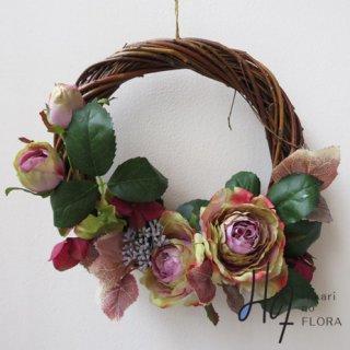造花Wreath(リース・壁掛け)【シックなローズの壁掛けリース】シックなローズが壁を飾ります。いつもと違った壁になります。